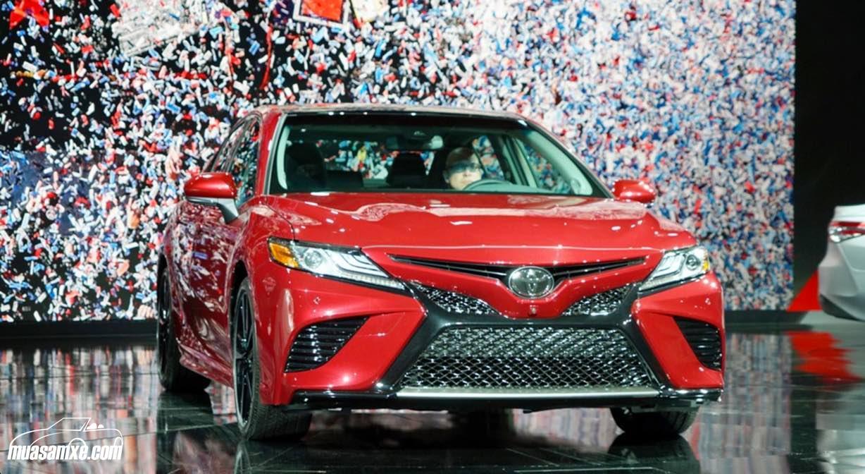 Toyota Camry 2018 chính thức trình làng với thay đổi toàn diện