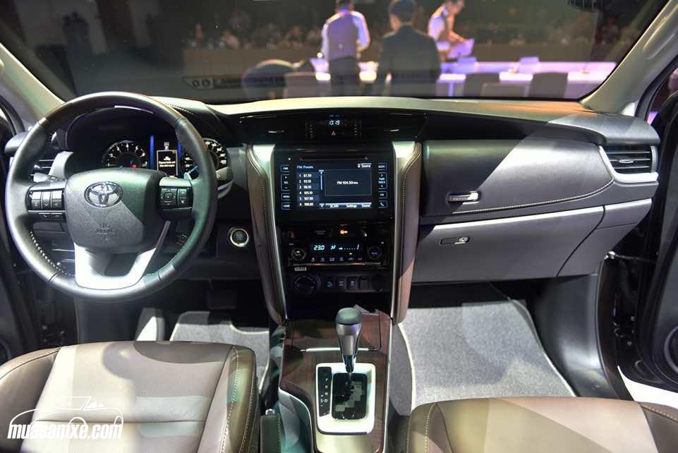 Đánh giá xe Toyota Fortuner 2017 về thiết kế nội thất và trang bị an toàn