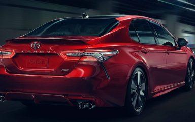 Đánh giá xe Toyota Camry 2018: Công nghệ, nội ngoại thất và giá bán