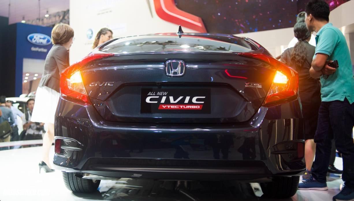 Cận cảnh Honda Civic 2017 đầu tiên tại Việt Nam