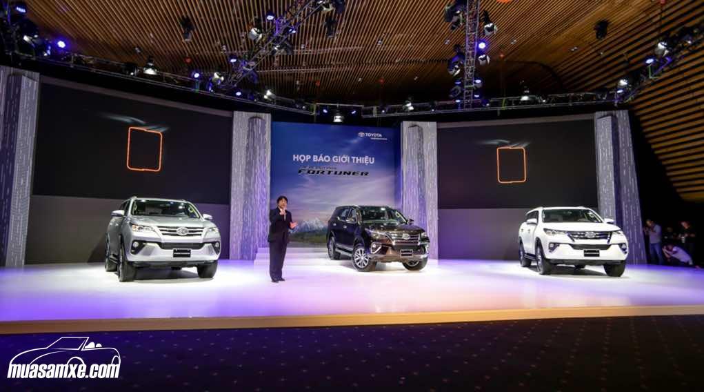 Toyota Fortuner 2017 có giá khởi điểm 981 triệu đồng