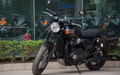 Ảnh chi tiết Triumph Bonneville T100 Black 2017 tại Việt Nam 1